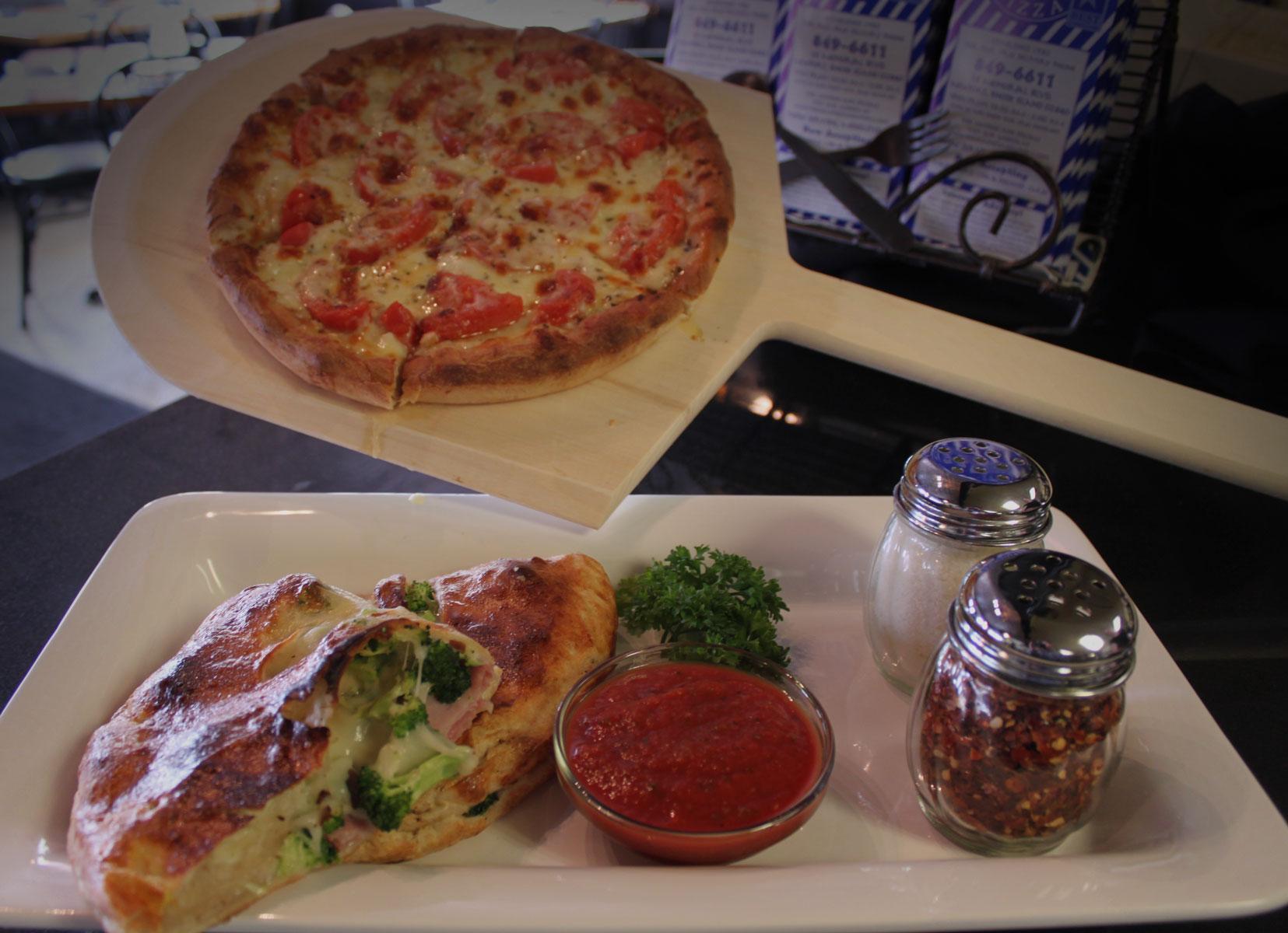 Nikolas Pizza, Pizza, pizza, calzone, banner
